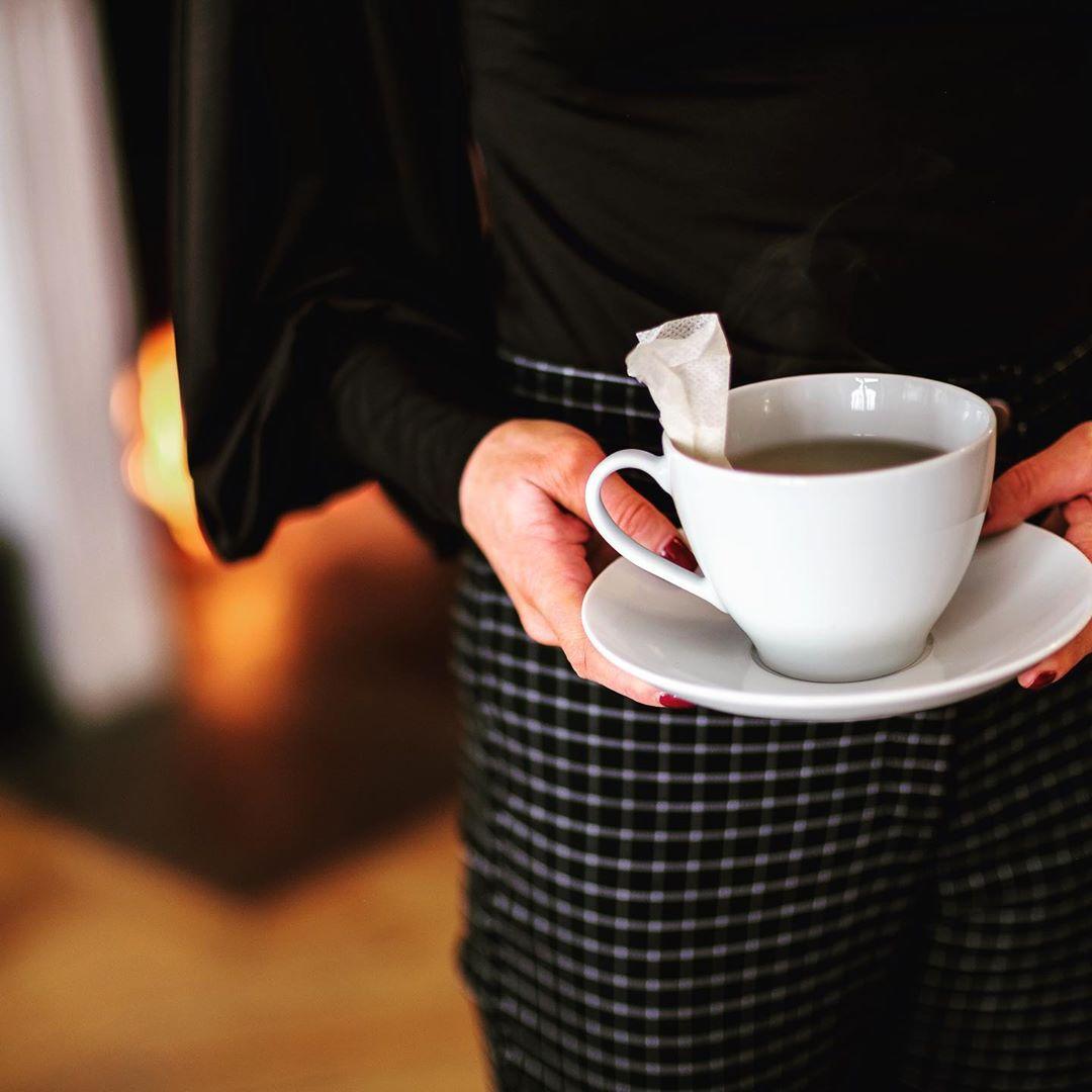 ?Höstvädret är här? Boka en mysig afternoon tea eller genuin viltmiddag i vårt slott! Boka på 0155-24 62 28 Lördag 5 oktober har vi även slottsvisning kl 11.00. Kostar 100 kr. Välkomna!