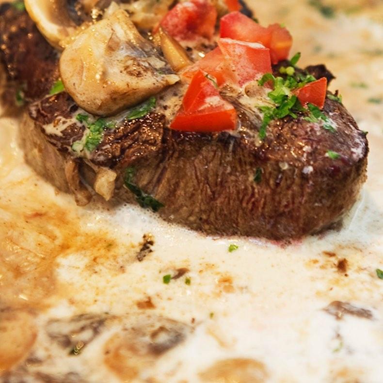 🥬Från skog till bord🥬 Laga en tre-rätters middag med en av våra kockar, lär dig mer om det vilda köttet. För mer information gå till www.ostermalma.se #vilt #mat #närproducerat #frånskogtillbord