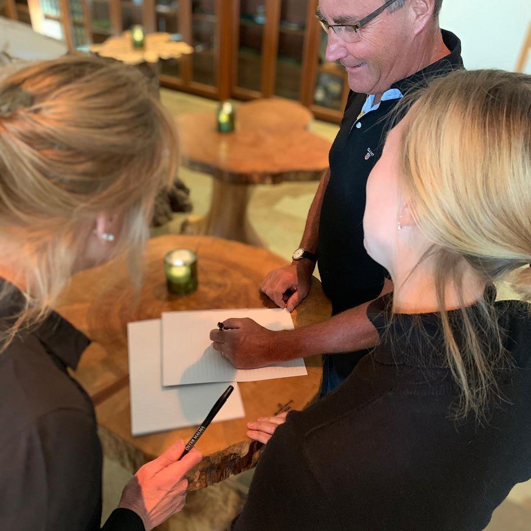 Vi på Öster Malma vill att era möten hos oss ska vara kreativa, effektiva och leda fram till det resultat ni önskar. Därför har vi tre tips på mötesmodeller! 🍀Naturliga möten 🍀Walk and dog 🍀Vilda samtal Läs mer på www.ostermalma.se #frånskogtillbord #östermalma #jägareförbundet #vilt #konferens #möten