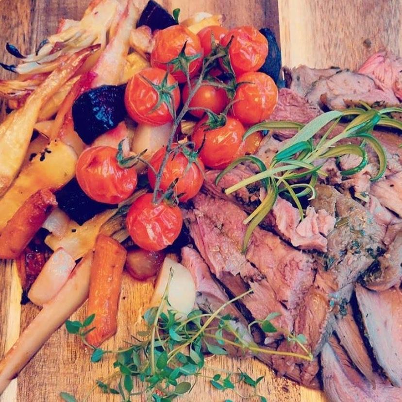 Boka er catering hos oss✨ Läs mer på www.ostermalma.se #östermalma #jägareförbundet #catering #viltmat