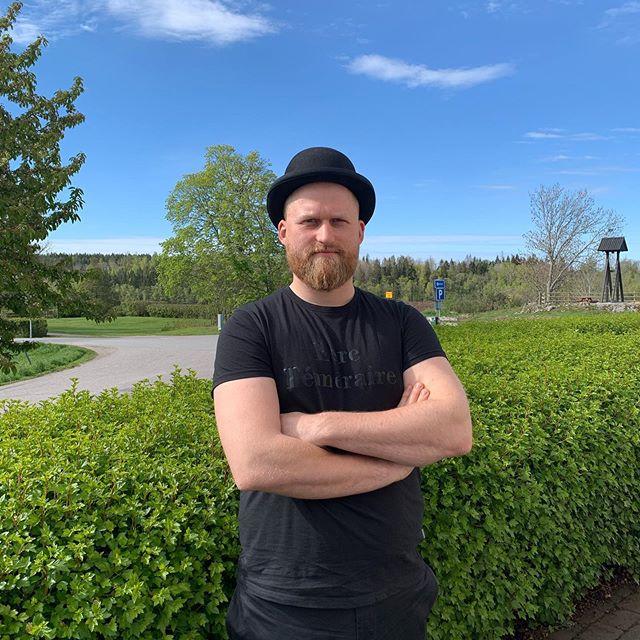 Inte nog med att vi har öppnat lite smått, vi hälsar även Micke välkommen tillbaka till oss på Öster Malma, som köksmästare. Så håll koll på www.ostermalma.se och på våra sociala medier om löpande information. #saktamensäkertframåt #östermalma #jägareförbundet